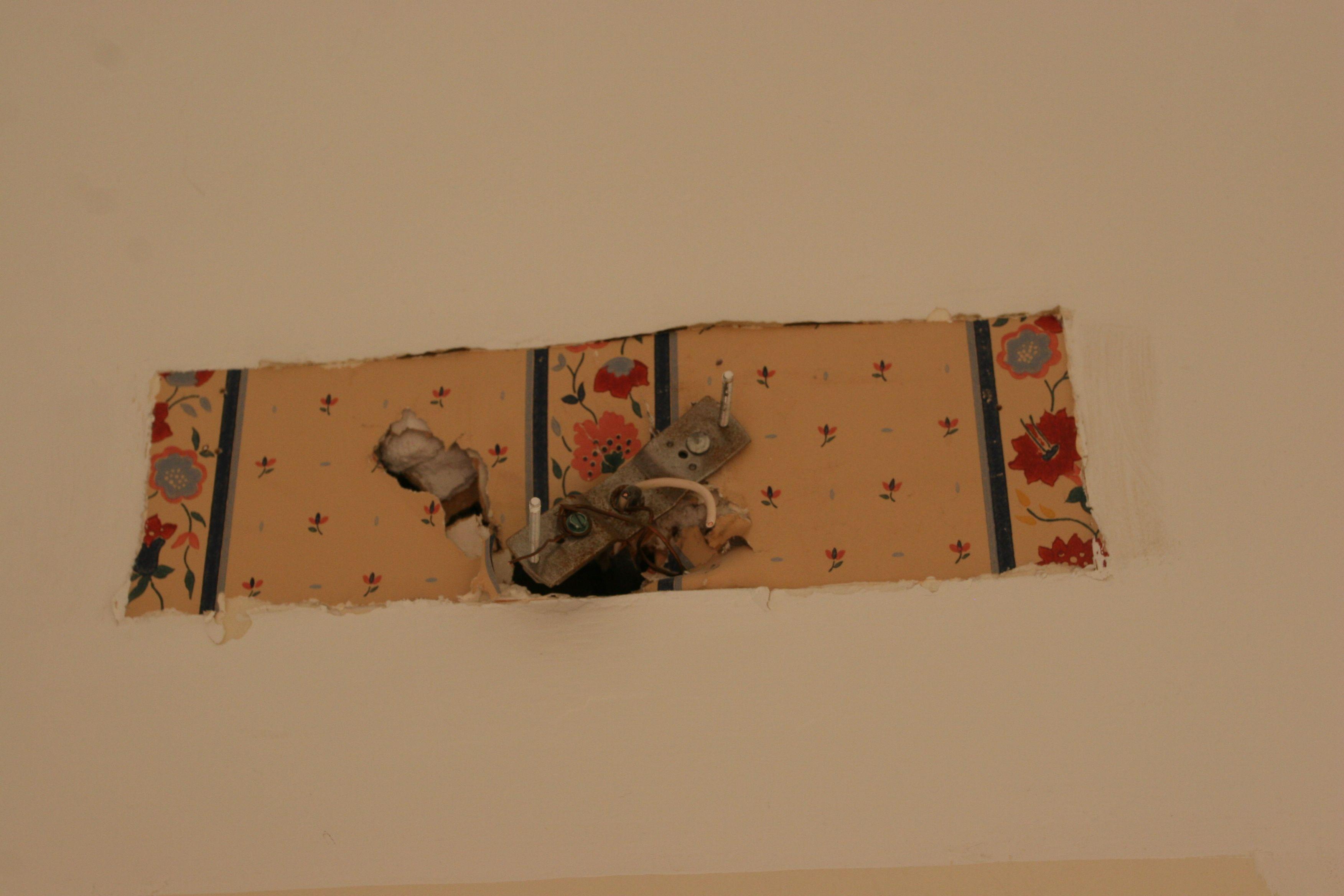 More wallpaper!