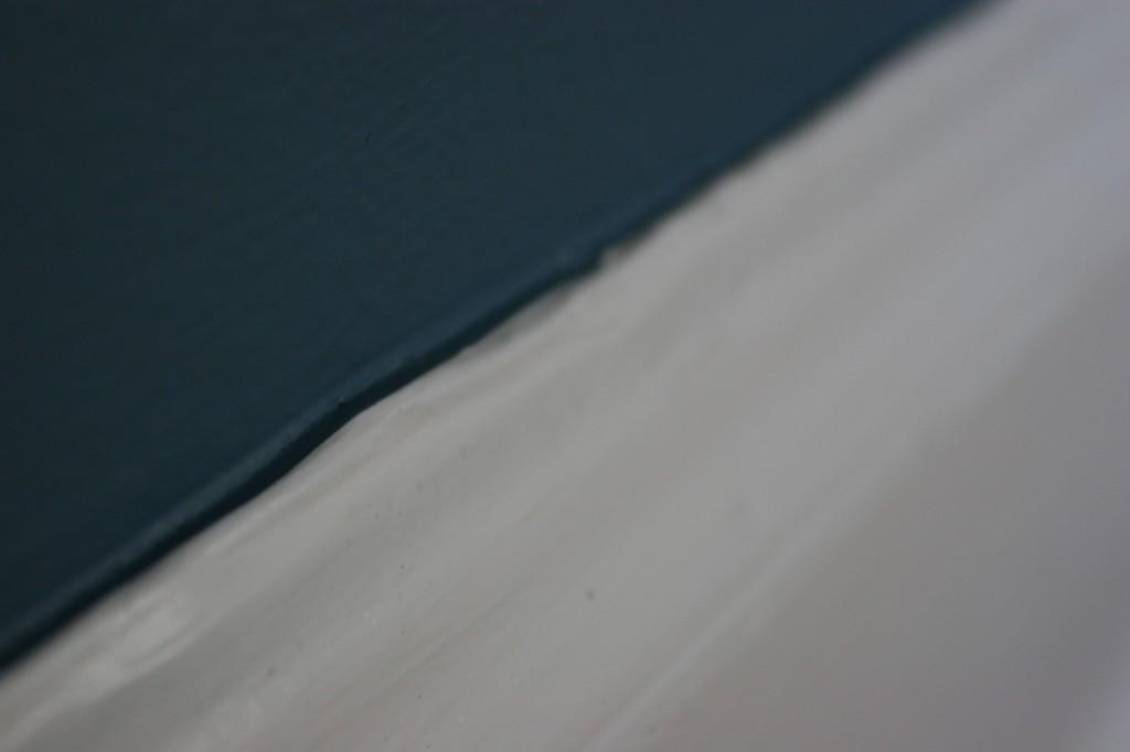 Blue paint: Schooner in Benjamin Moore Aura matte.