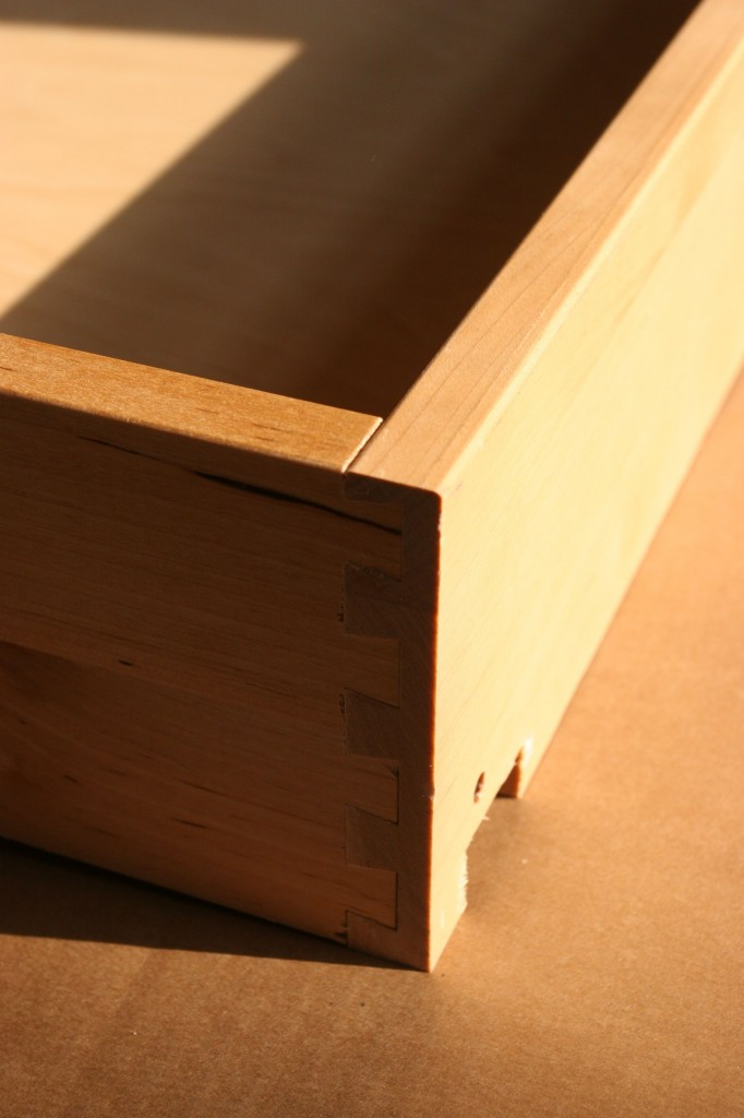 A good point about the cabinets: dovetail joinery on the drawers, front and back. So that's good.