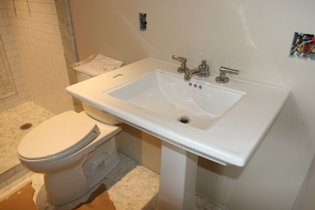 Ta-dah! Master bath sink and toilet! Also, working!