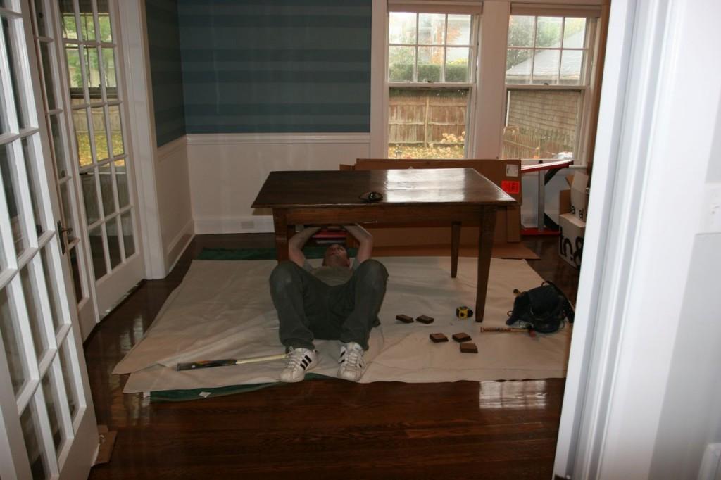 Jonas assessing the table/desk.