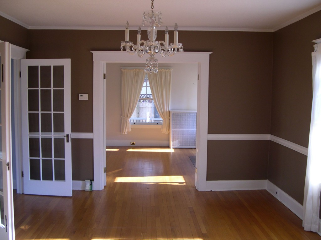 From December 2005, right after we bought the house. Dining room.