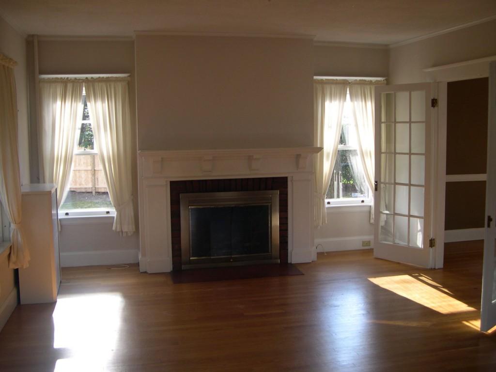 Dec '05, Living room.