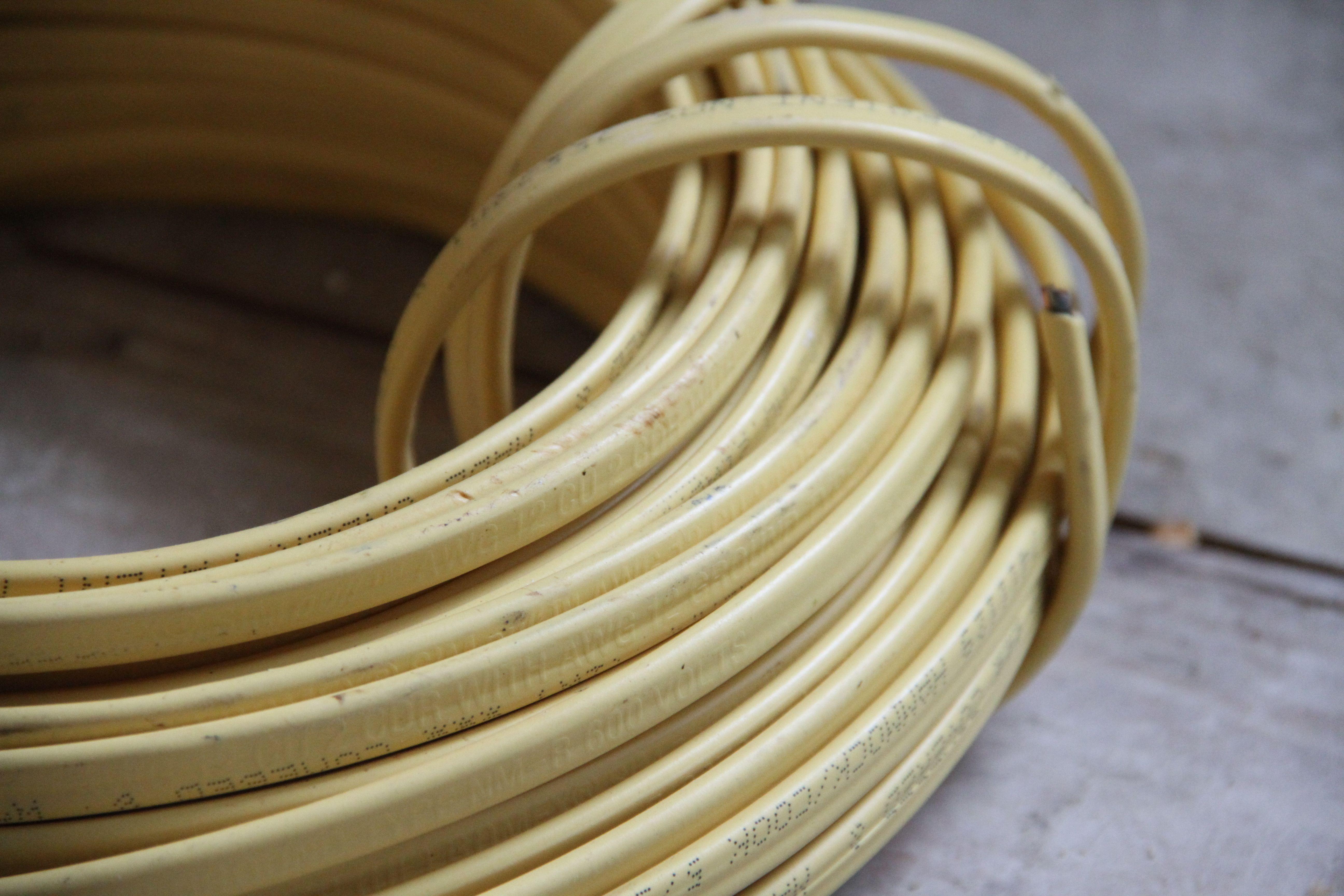Beauty shot: wire.