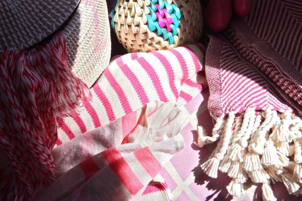 Each and every item in this heap makes me happy, so suck on that, pink-haters. Plus, I'm starting to notice a pattern: I like stripes, chevrons and diamonds, pretty much anything geometric and angular.